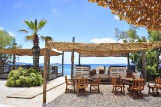 earth bar medusa beach resort in naxos