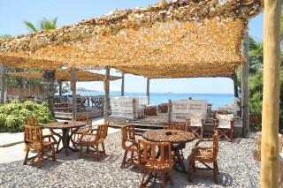 earth bar medusa beach resort in naxos area