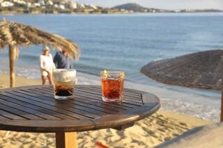 earth bar medusa beach resort in naxos drinks