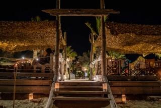 earth bar medusa resort by night