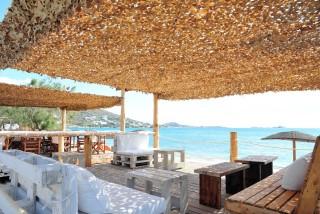 earth bar medusa resort lounge area