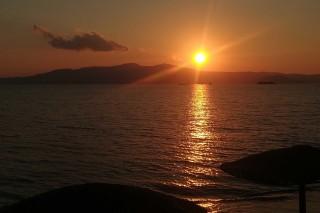 earth bar medusa resort sunset