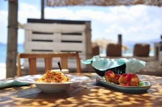 restaurant medusa beach resort naxos